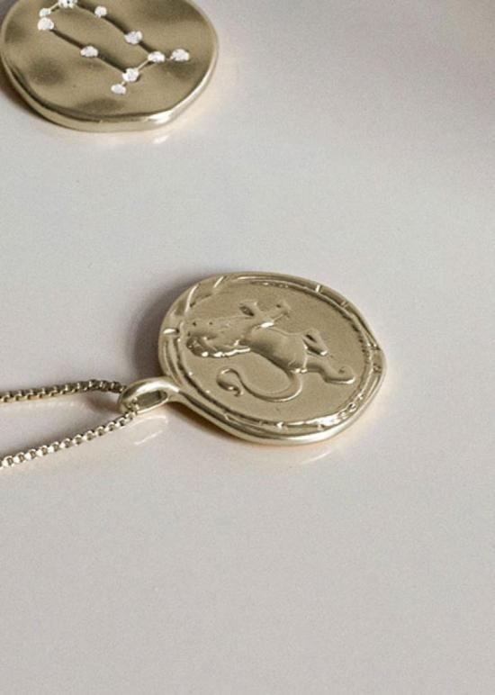 leo zodiac logo